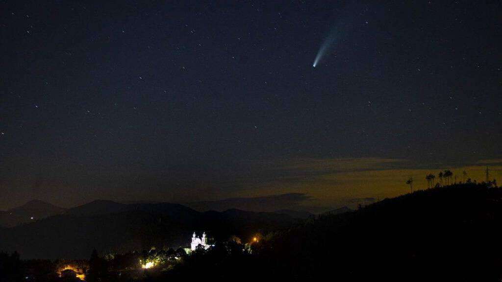 Spettacolare stella cometa sul santuario N.S. di Roverano