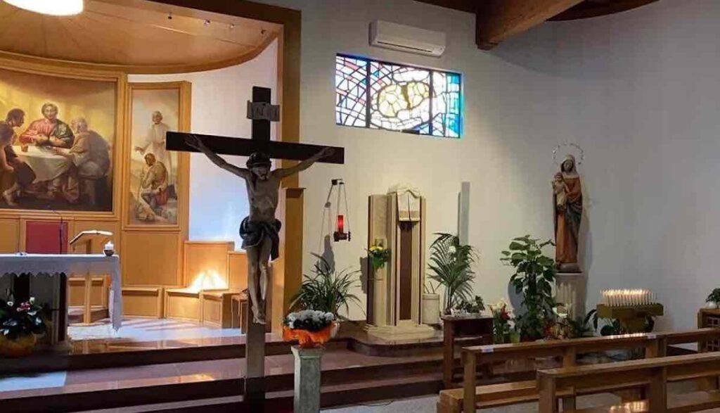 Attentato al crocefisso in una chiesa a Roma