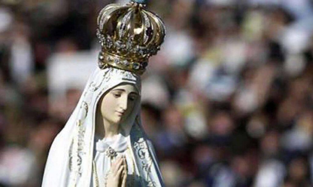 Fatima, urgente la preghiera del Rosario