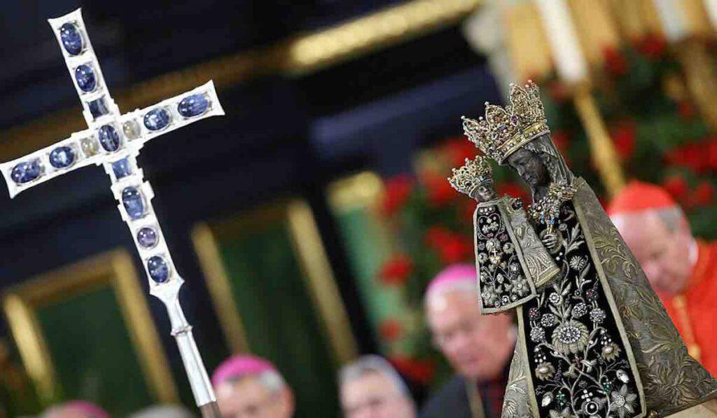 Madonna di Altötting - Croce