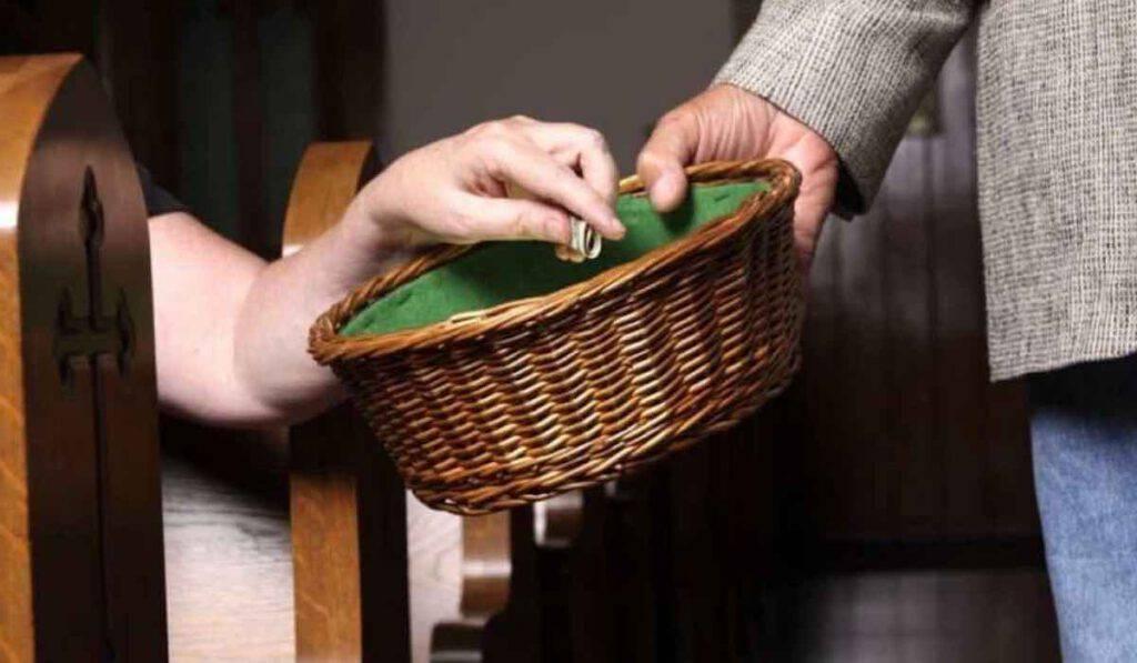 covid, il grido di aiuto dei parroci