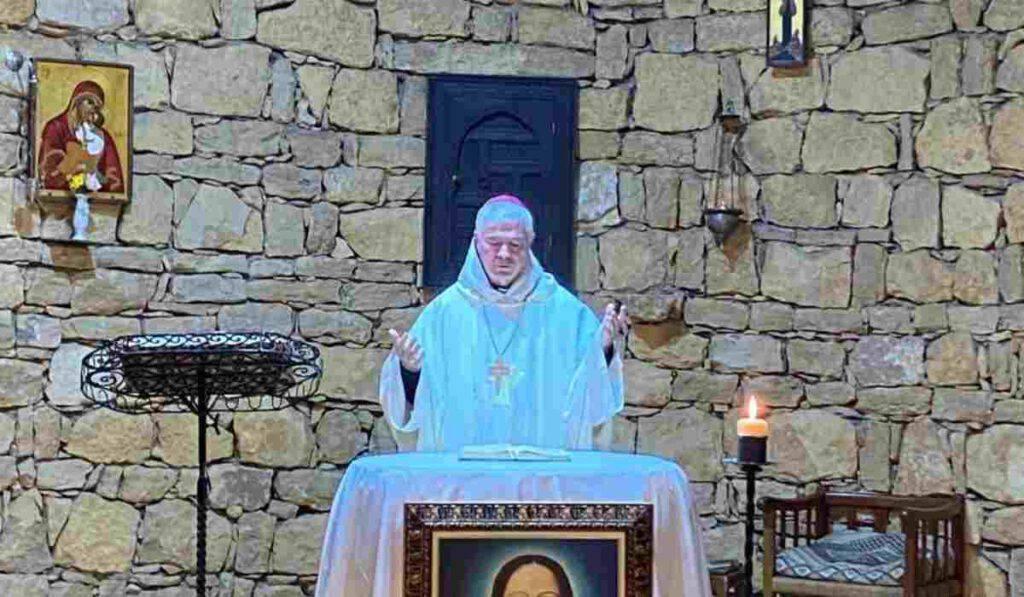 Le foto inviate da Mons. D'Ercole ai fedeli sui suoi canali social