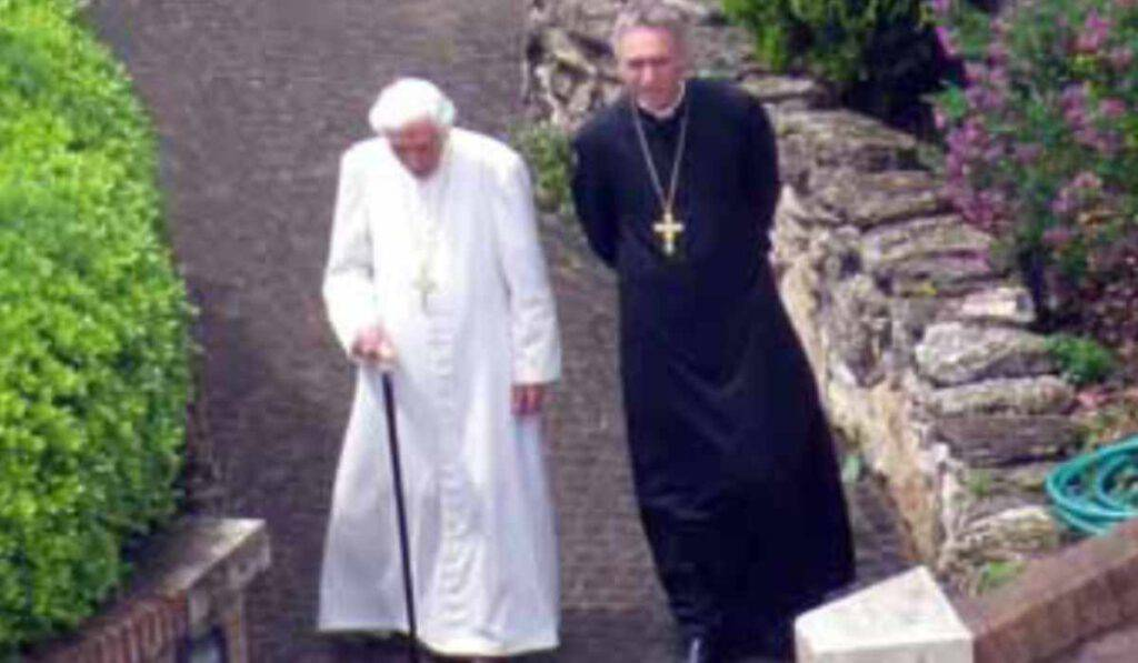 Benedetto XVI e la figura del Papa emerito: il card. Pell rompe il silenzio