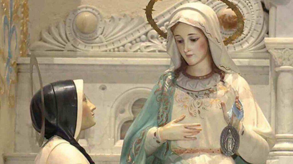 Maria consegna a Caterina Labouré la Medaglia Miracolosa