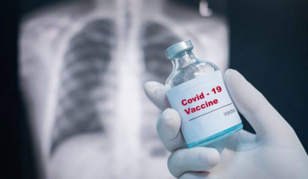 """Andrea Crisanti non indietreggia: """"Non farò il vaccino"""""""