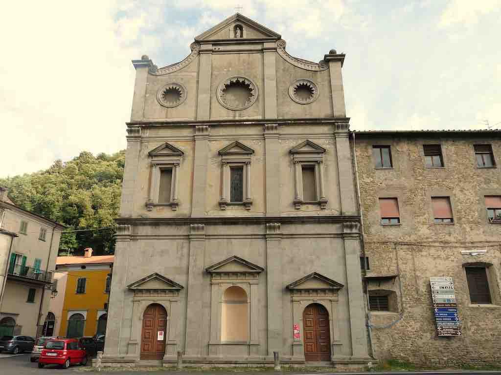 Pontremoli chiesa Annunziata facciata
