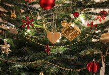 Secondo la tradizione, l'albero di Natale è un simbolo cristiano