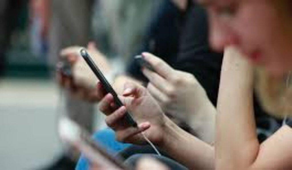 Fede e digitale. Tanti rischi, si cerchi il Signore