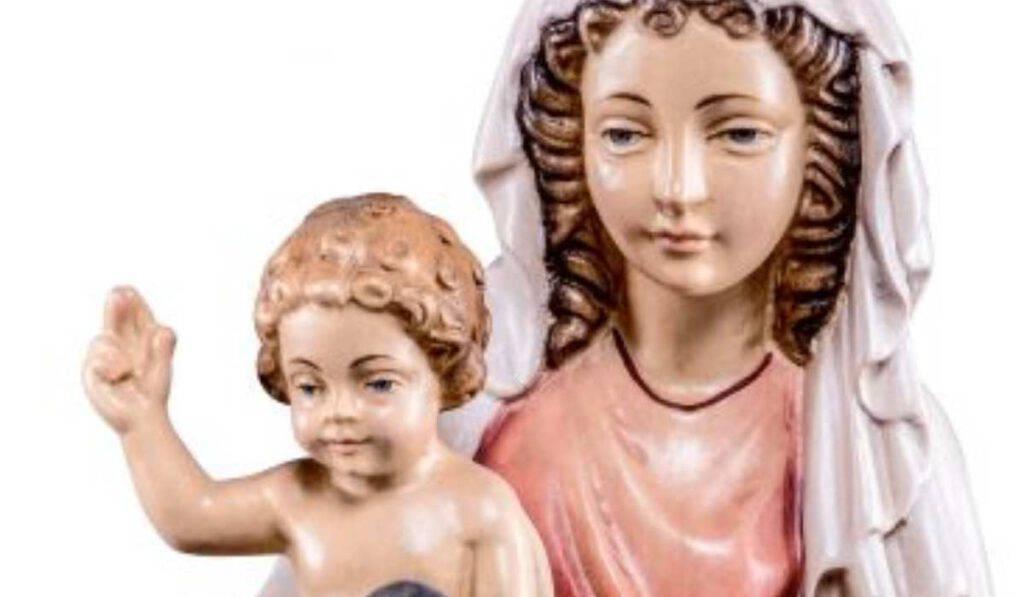 Madonna di Praga: indica a padre Cirillo la statua del Bambin Gesù