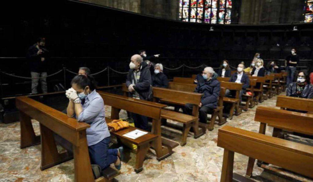"""Covid, Messe di Natale: la risposta al """"coprifuoco"""""""
