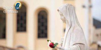 Madonna di Medjugorje davanti la chiesa di San Giacomo
