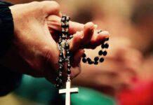Mani raccolte nella preghiera del Rosario