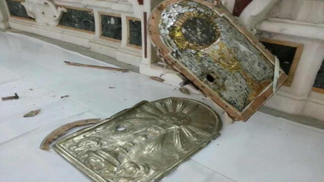 tabernacolo rotto