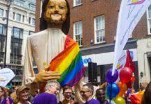 gesù blasfemia gay pride