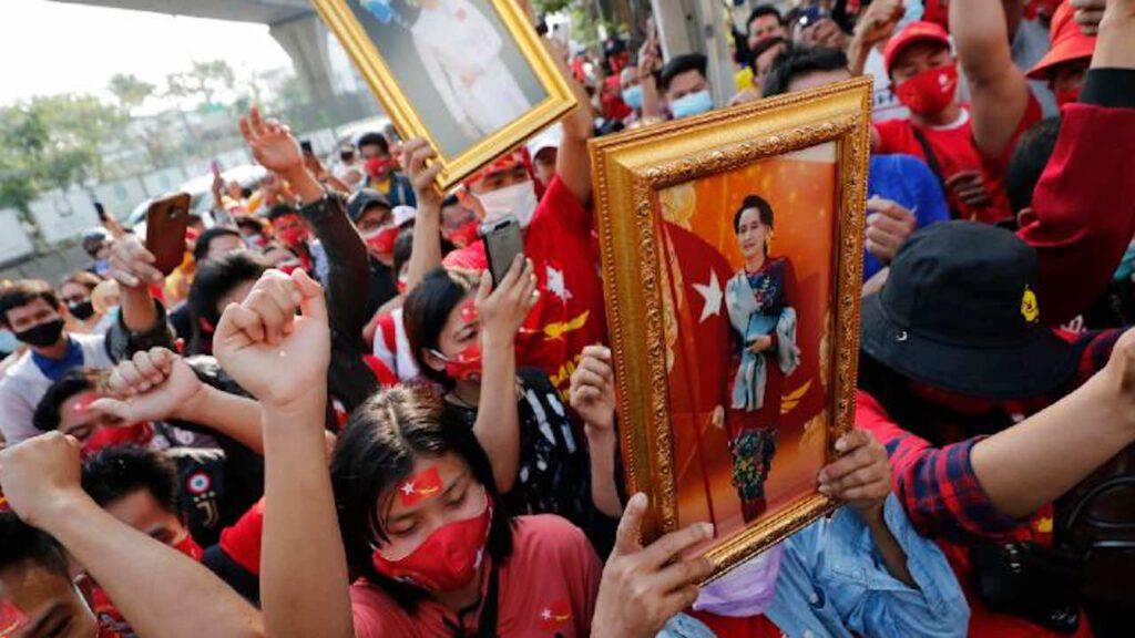 protesta in birmania