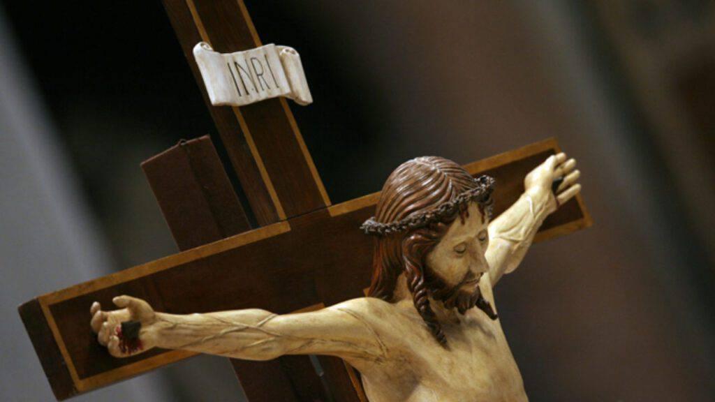 cristo croce gesù chiesa