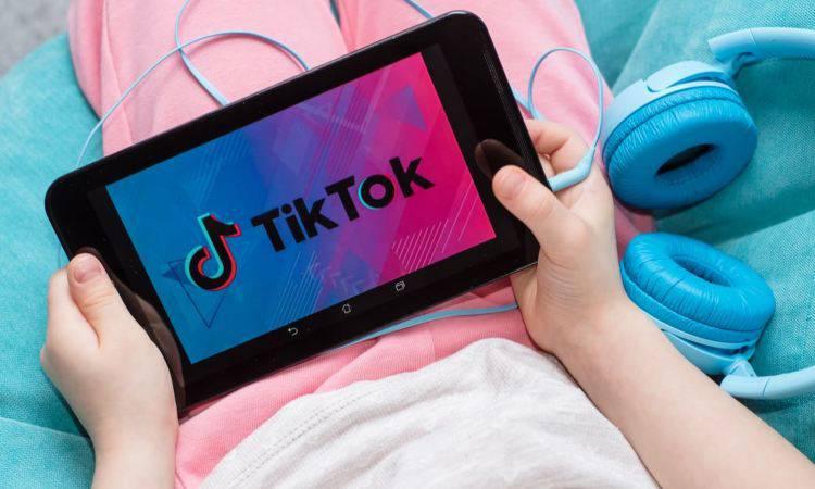 TikTok: ecco quali utenti verranno bloccati dal social