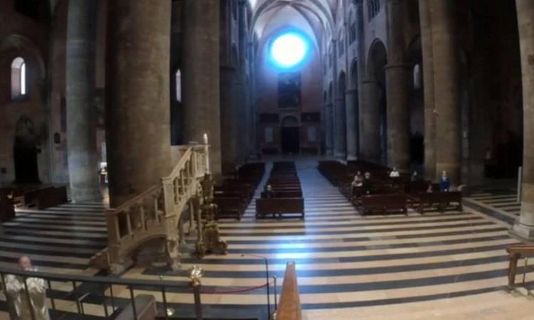 chiesa semi vuota