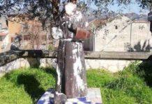 statua di padre pio danneggiata