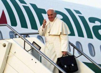 il papa in partenza