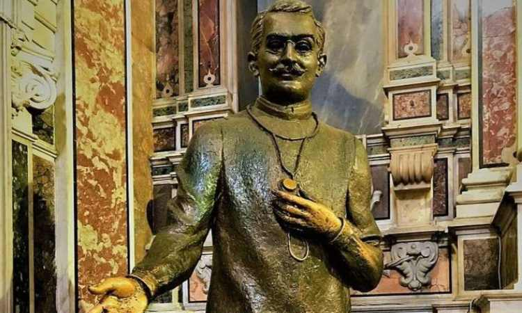 statua san giuseppe moscati