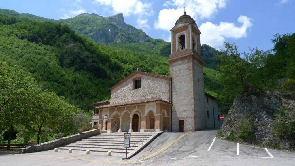 Montefortino Santuario Madonna Ambro