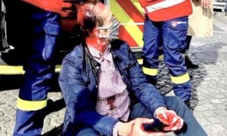 uomo ferito nell'attacco