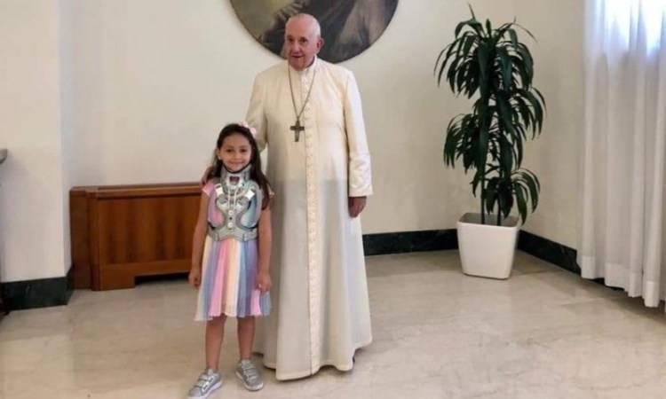 La piccola Noemi e Papa Francesco