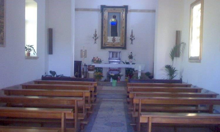 Interno del santuario della Madonna di Capo Colonna, Crotone