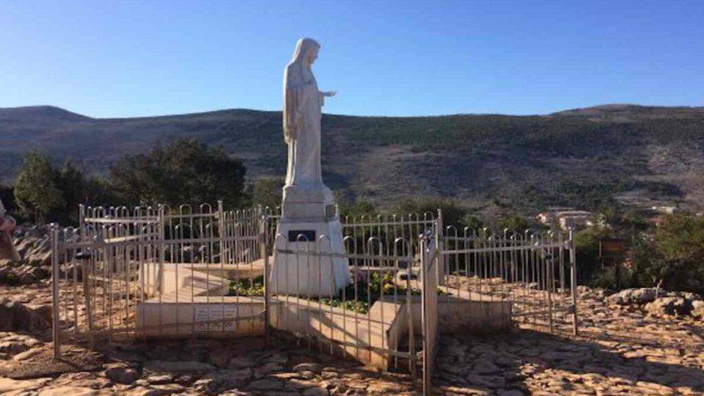 Madonna sulla Collina delle Apparizioni