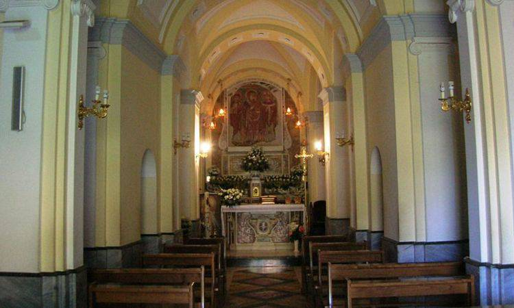 Interno del Santuario della Madonna della Libera