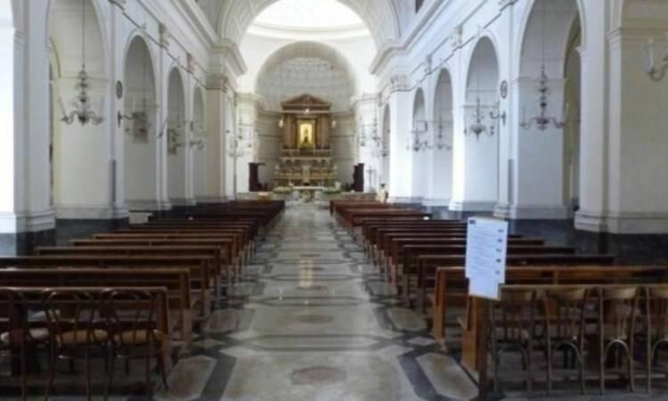 Interno collegiata Santa Maria a mare, Maiori