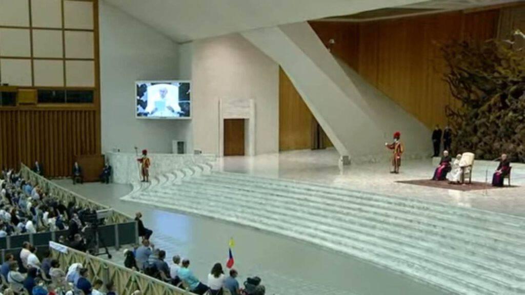 Udienza generale: sorprendente monito del Papa ai movimenti