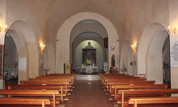 Interno della Basilica di San Biagio a Maratea