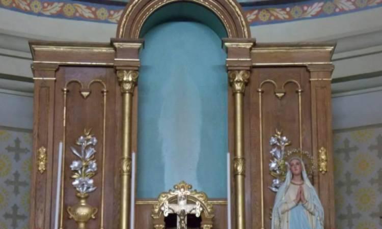 Immagine della Madonna di Lourdes apparsa