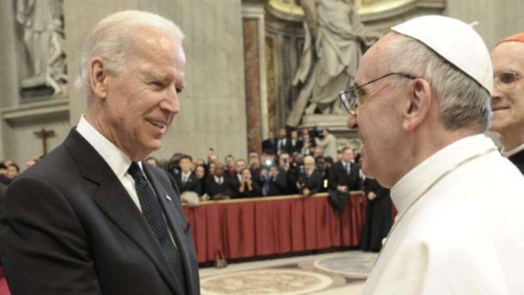Papa Francesco e Biden: una faccia a faccia piuttosto teso e difficile