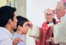 vescovo cresima ragazzo